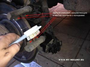 Замена задних тормозных колодок на Рено Меган 2